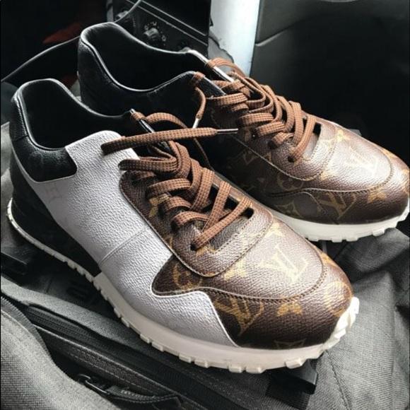 ad126200bfe6 Louis Vuitton Shoes - Louis Vuitton run away size 11 s